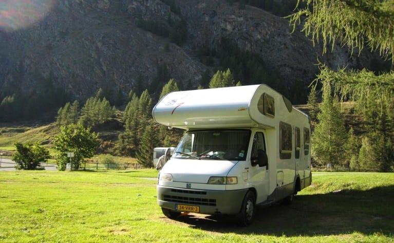 Camper- en caravanverkoop stijgt in eerste helft van 2015