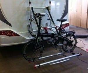 Camper fietsdrager plaatsen